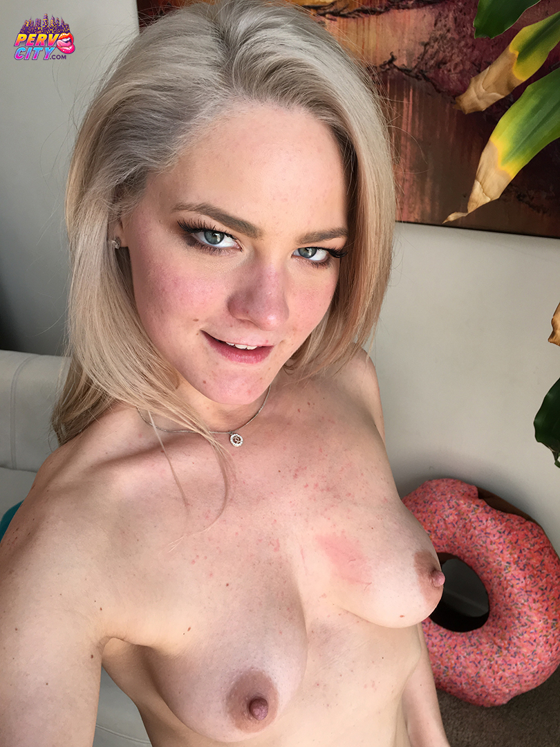 Lisey Sweet 2nd Anal – Behind the Scenes