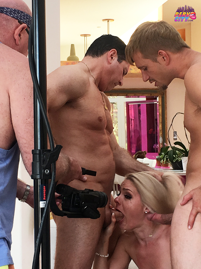 Behind the Scenes for Lisey Sweet's 1st DP