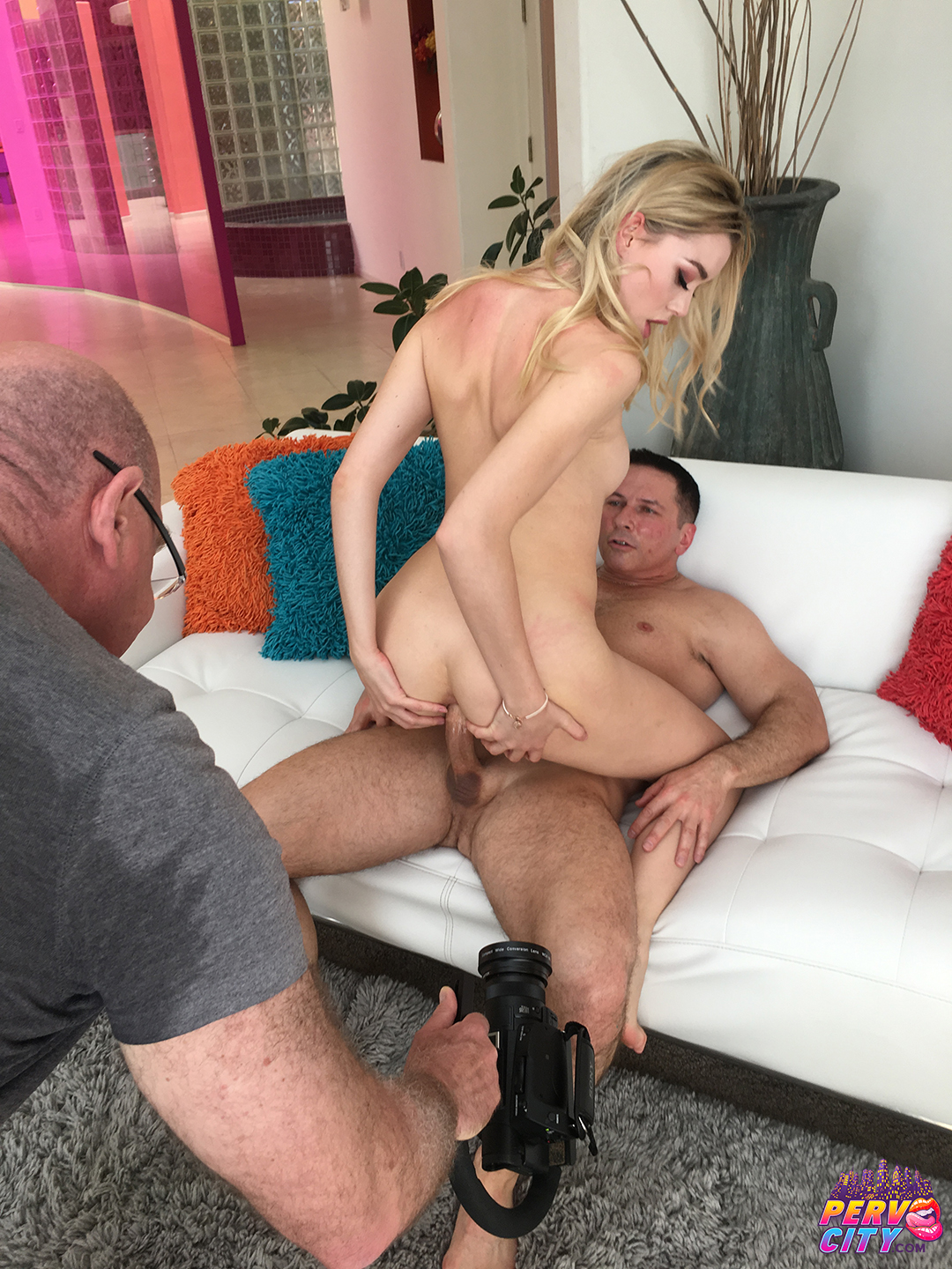 Gape Princess Anny Aurora Behind the Scenes