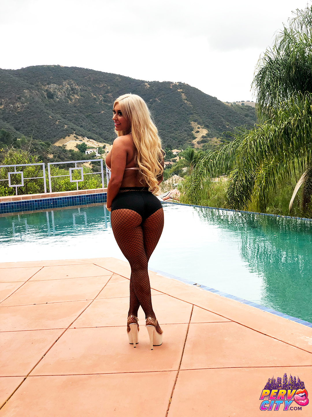 Big Booty Brandi Bae Behind the Scenes